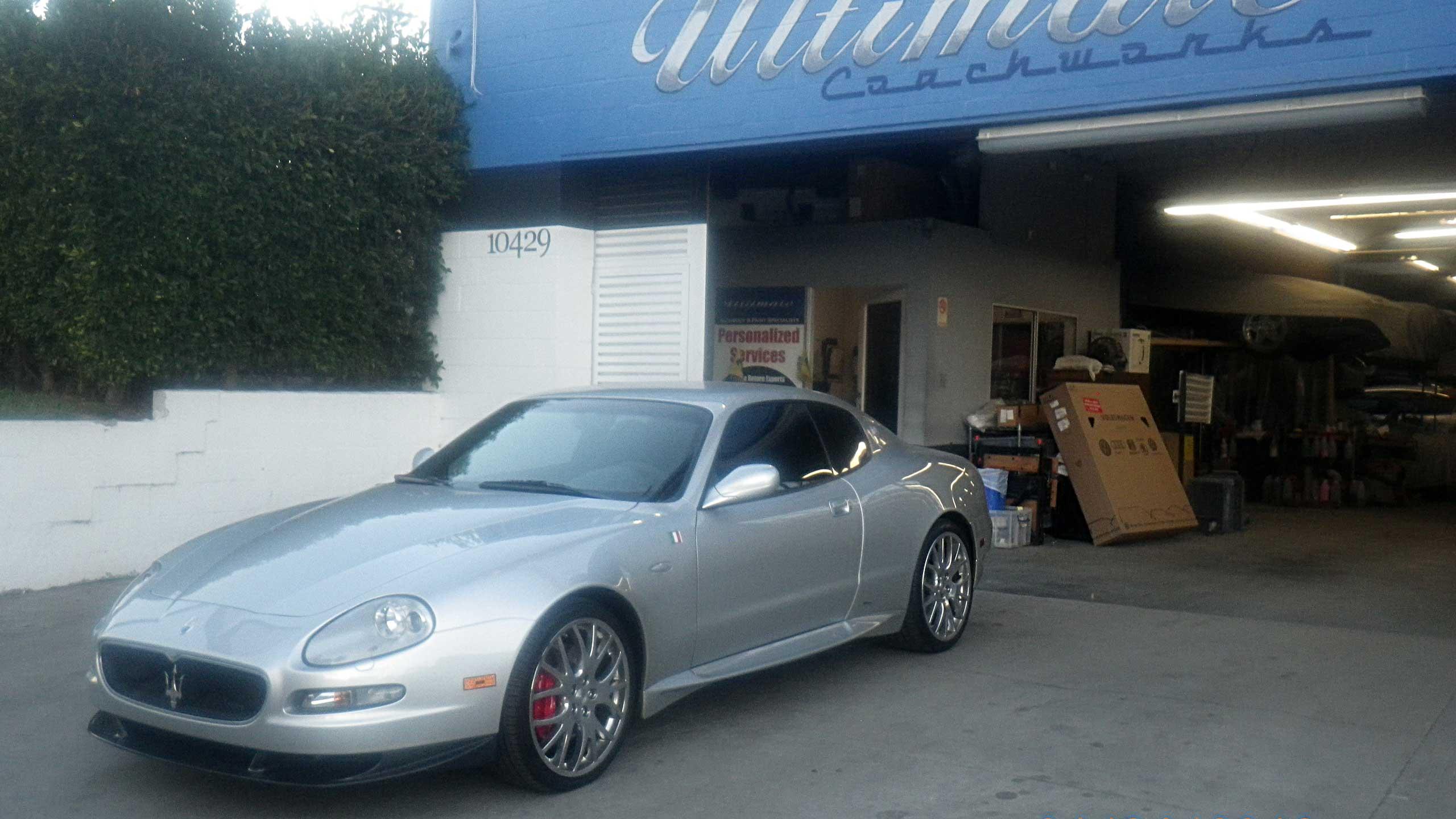 UC_1_car_side_storefront_2560x1440-011