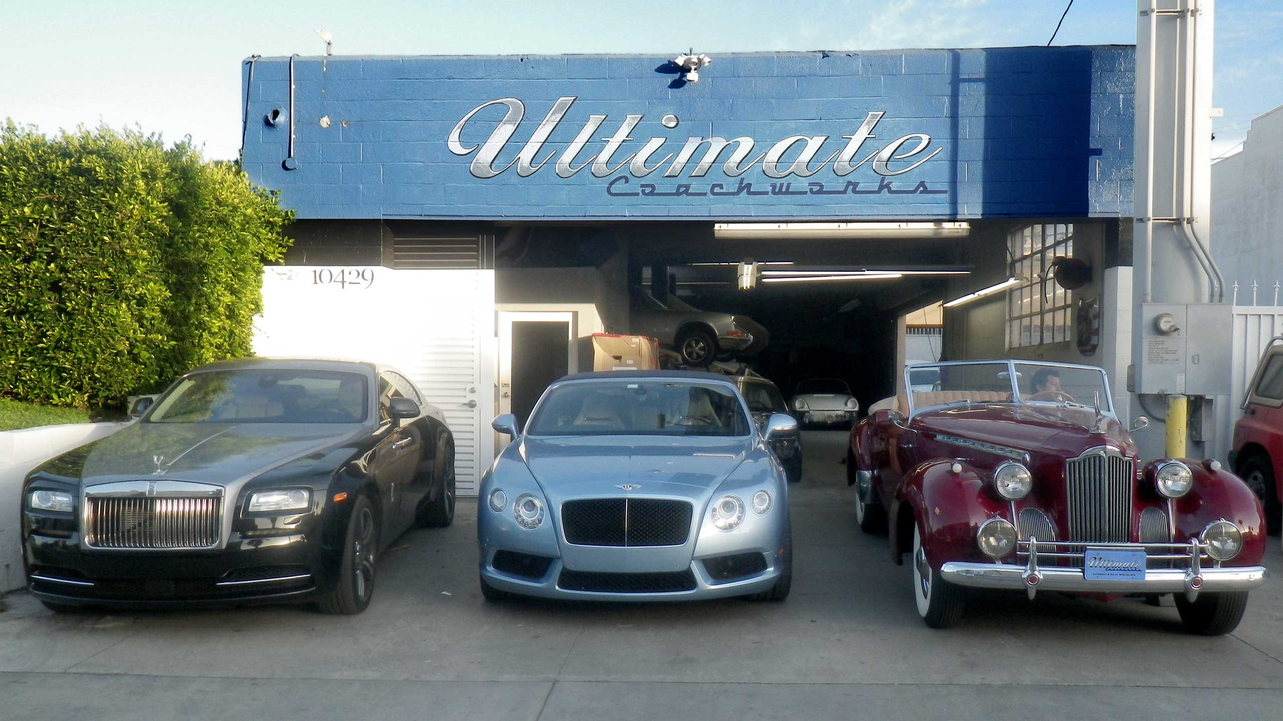 UC_3_car_front_storefront_2560x1440-001